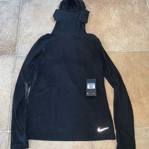 Nike hooded pullover NWT
